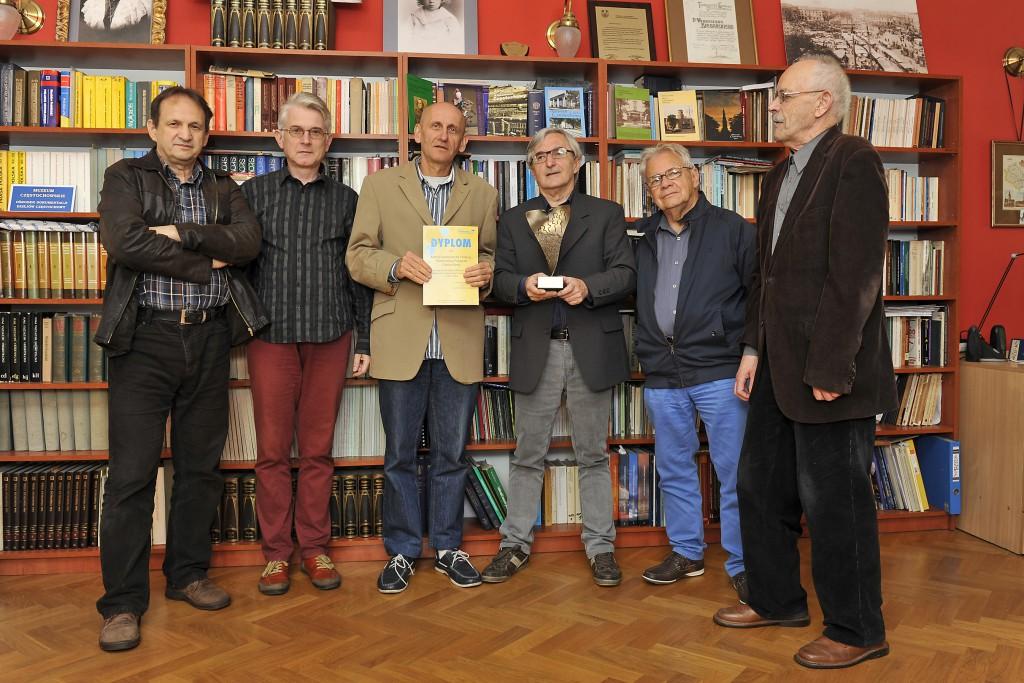 Komisja Kultury i Wydawnictw. Od lewej K. Kasprzak, Zb. Burda, J. Sętowski, M. Batorek, Zb. Janikowski, B. Snoch