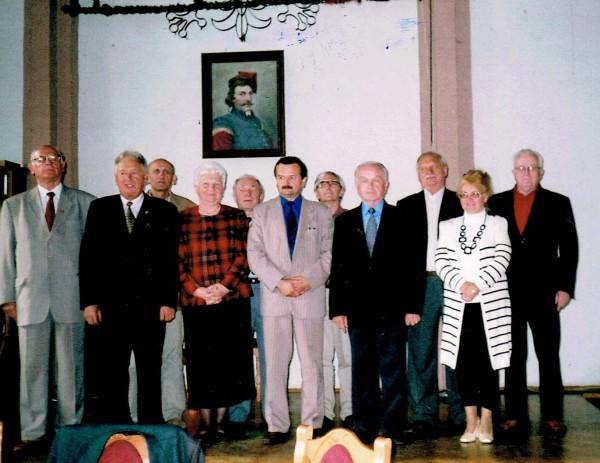 Stoją od lewej: H. Wydmuch, St. Całus, T. Majak, St. Gmitruk, W. Brągoszewski, E. Rosińska. Z tyłu: J. Sętowski, K. Urbańczyk, M. Batorek, J. Raganiewicz,W. Grzegorzewski.